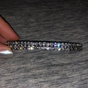 Rhinestone black metal hair clips.